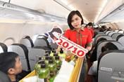 Vietjet mang yêu thương tới phụ nữ Việt Nam trên độ cao 10.000m