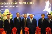 Thủ tướng cắt băng khai mạc triển lãm nhiếp ảnh của nghệ sĩ Trần Lam