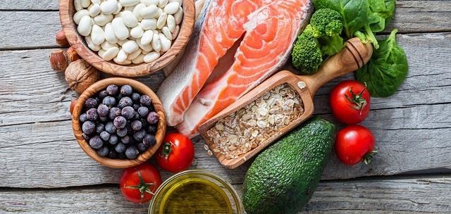 Chế độ dinh dưỡng hợp lý là rất cần thiết với người mắc ung thư.