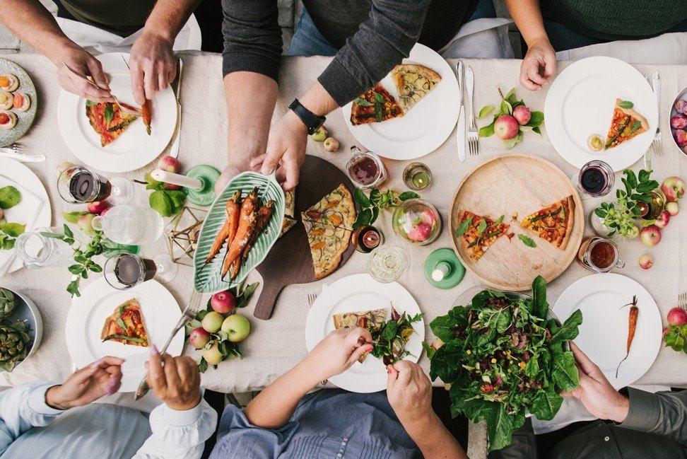 Thay đổi chế độ ăn để kiểm soát cân nặng giúp giảm nguy cơ ung thư vú. Ảnh: SCMP