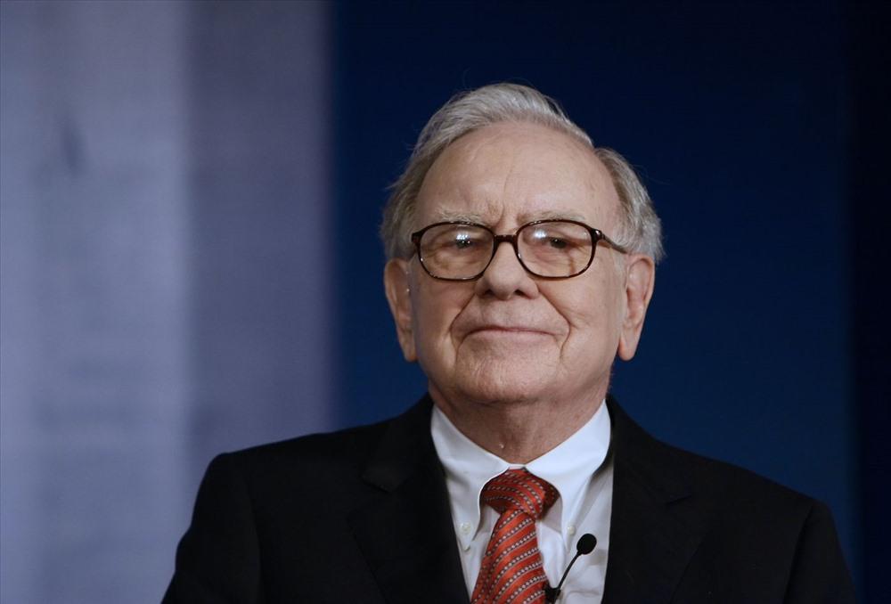 Phải đến tận năm 2008, ngôi vị người giàu nhất hành tinh mới đổi chủ. Nhà đầu tư huyền thoại Warren Buffett soán ngôi Bill Gates với khối tài sản 62 tỉ USD. Tuy nhiên, sau cuộc khủng hoảng tài chính thế giới, ông chủ Microsoft lại trở về vị trí số 1 vào năm 2009. Ảnh: CNBC