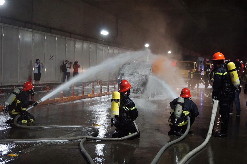 Kết quả diễn tập là sau hơn 10 phút khi xảy ra vụ việc ngọn lửa được dập tắt hoàn toàn. Các nạn nhân đưa ra khỏi hầm an toàn, không có thiệt hại về người.