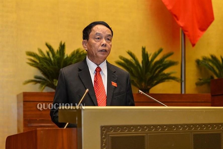 Chủ nhiệm Ủy ban Quốc phòng và An ninh Võ Trọng Việt trình bày báo cáo giải trình, tiếp thu, chỉnh lý dự thảo Luật Dân quân tự vệ sửa đổi.
