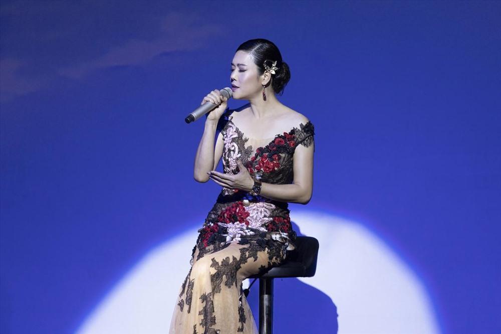 Nữ ca sĩ gửi đến khán giả nhiều ca khúc rất được yêu thích của mình.