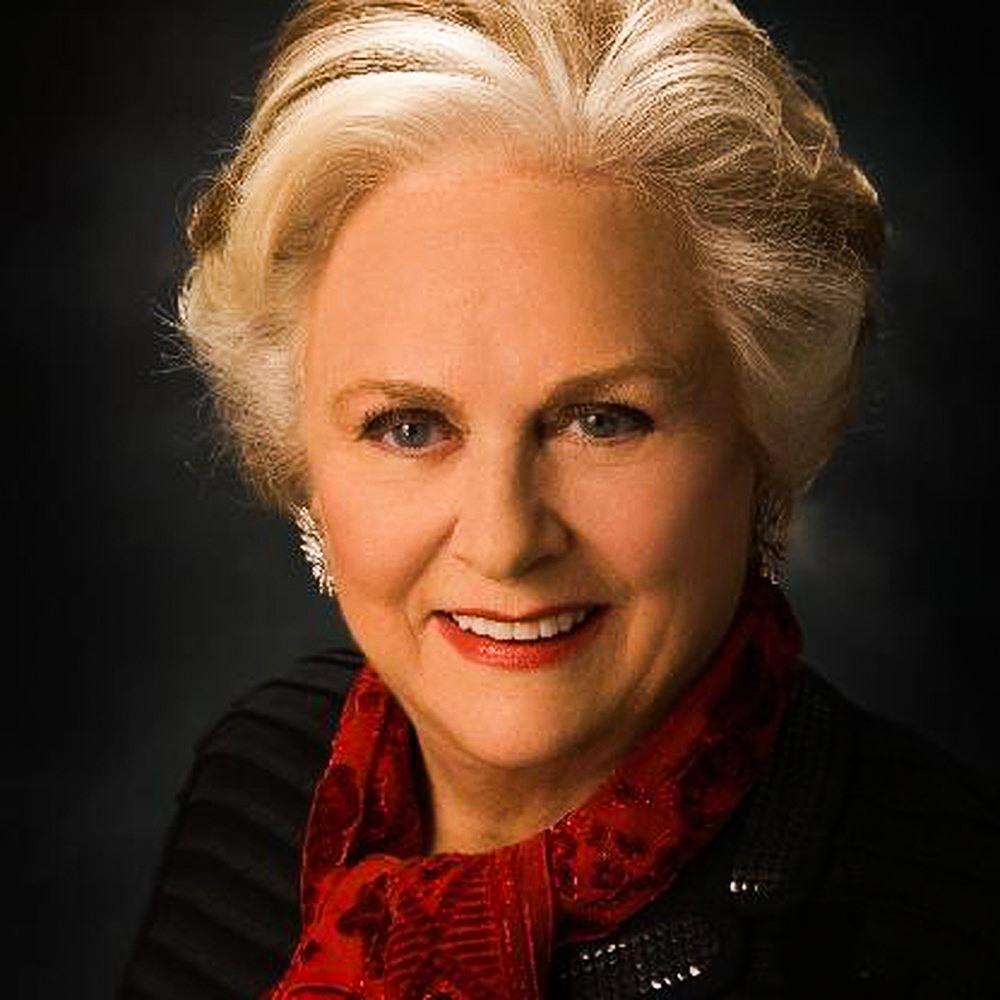 """Bà là cháu nội của Frank Mars và là cô của 4 chị em nhà Mars. Jacqueline Mars được thừa hưởng 1/3 cổ phần tại """"đế chế"""" bánh kẹo. Bà đã quyên góp nhiều tiền cho các hoạt động thiện nguyện liên quan đến giáo dục, môi trường, văn hóa và sức khỏe."""