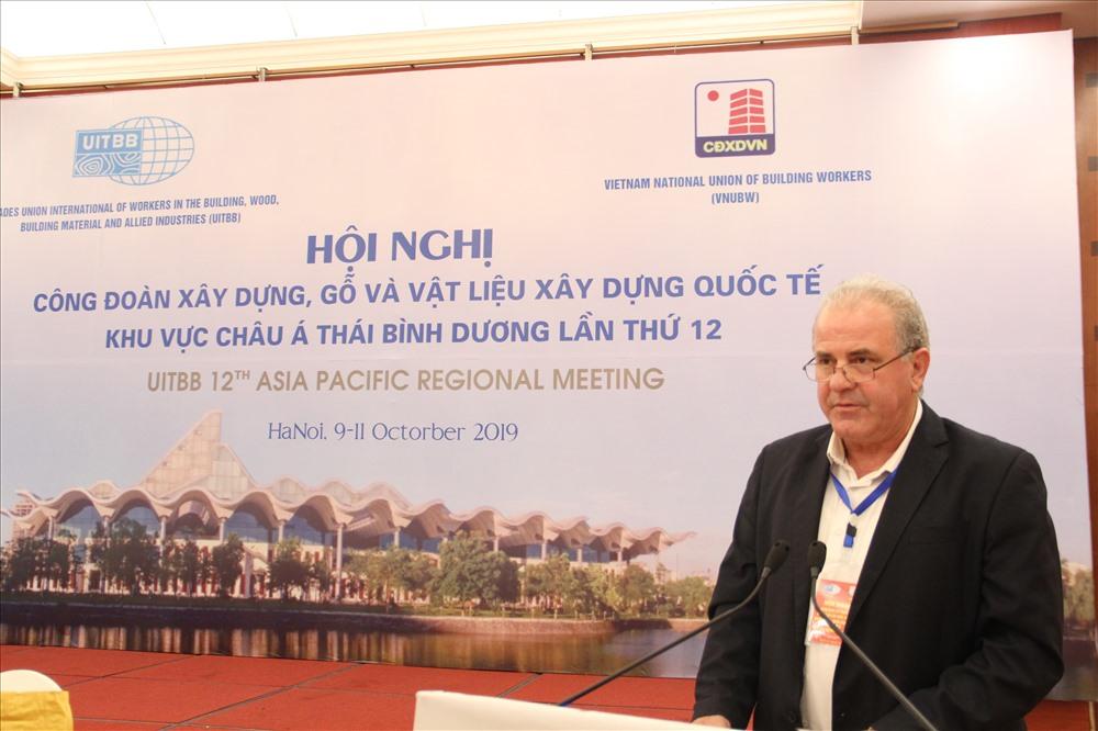 Tổng thư ký UITBB Michalis Papanikolau phát biểu tại Hội nghị