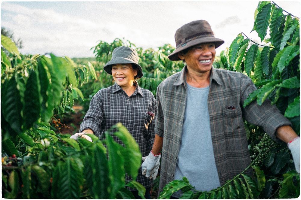 Lưu Xuân Đức cho biết cậu chụp bộ ảnh về bố mẹ cách đây chưa đầy một tuần. Bộ ảnh  đã nhận được sự ủng hộ mạnh mẽ của cộng đồng mạng.