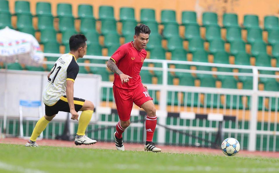 Hậu vệ Huỳnh Quang Thanh, người từng sút tung lưới UAE ở Asian Cup 2007 dự đoán tuyển Việt Nam khó thắng UAE. Ảnh: Đ.Đ