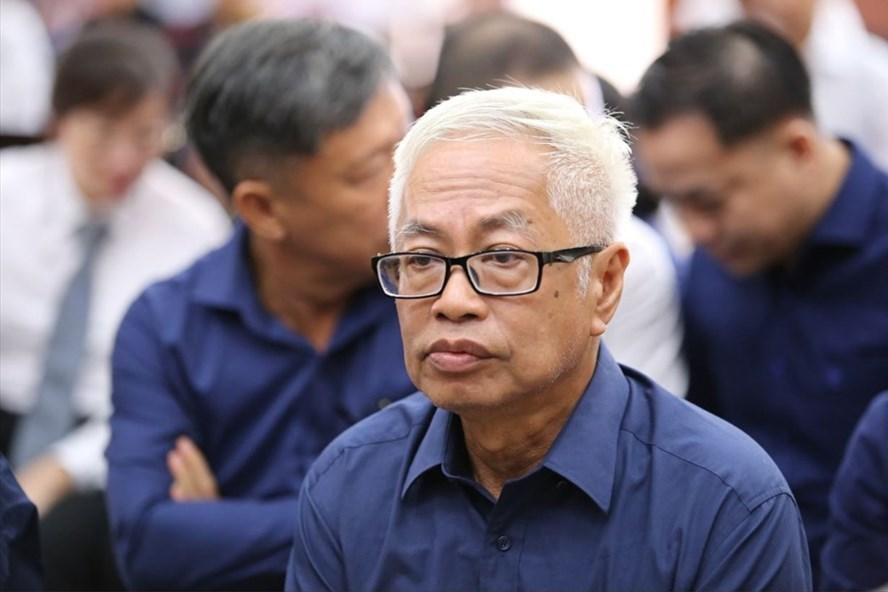 Ông Trần Phương Bình tại phiên tòa liên quan đến việc chỉ đạo thu khống khoản 200 tỉ đồng Phan Văn Anh Vũ (cựu tổng giám đốc công ty Bắc Nam 79).