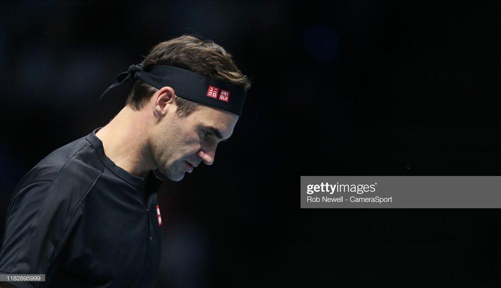 Federer bất lực trước đối thủ trẻ. Ảnh: Getty.