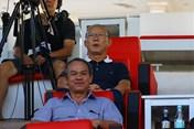 Thực hư chuyện bầu Đức không được mời đến Mỹ Đình xem Việt Nam thi đấu