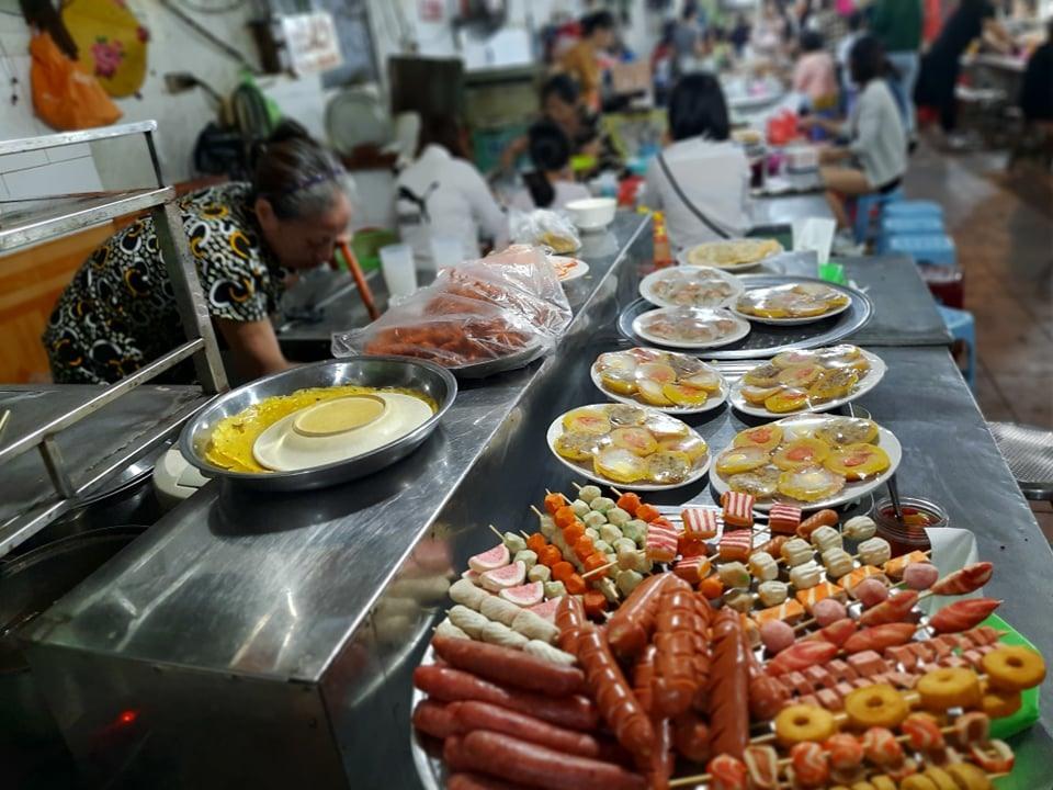 Ẩm thực chợ Cát Bi đa dạng, phong phú.