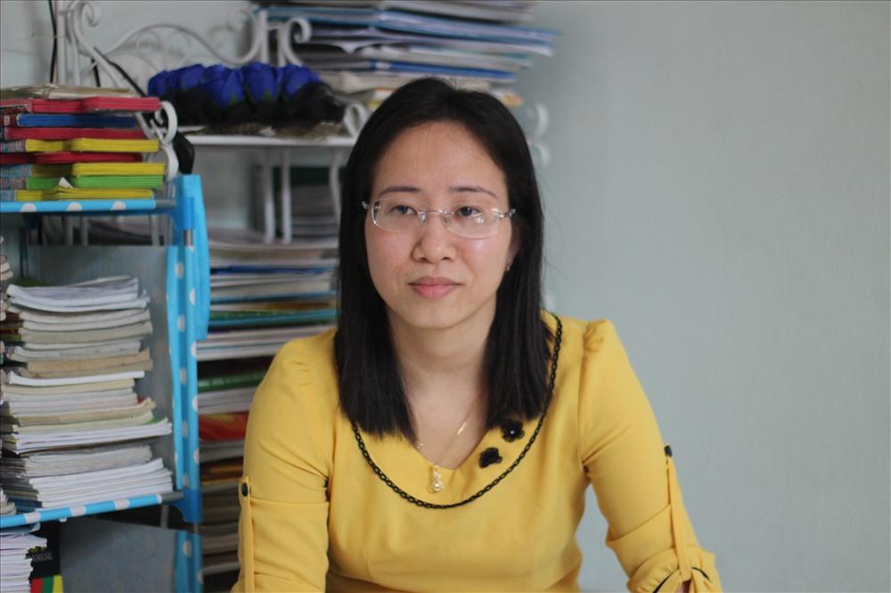 Chị Phạm Thị Lý tâm sự về nghề và cuộc đời với chúng tôi. Ảnh: Phạm Đông