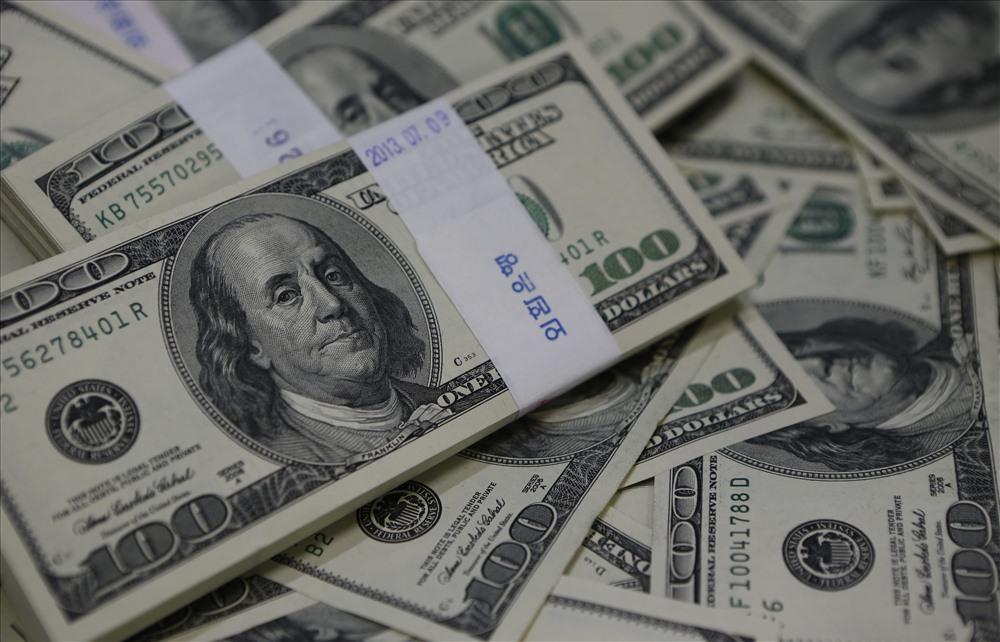 Tỷ giá ngoại tệ 20.11: Đà giảm chưa dừng, giá USD chìm sâu