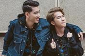 """Ngắm phong cách thời trang trẻ trung của bộ đôi """"Sóng gió"""" Jack và K-ICM"""