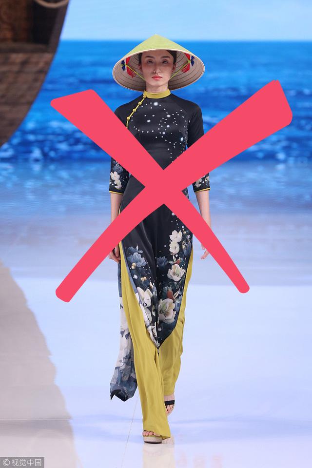 Trang phục Trung Quốc bị tố sao chép từ phom dáng cho tới phụ kiện là chiếc nón lá Việt Nam. Ảnh: ChinaDaily.