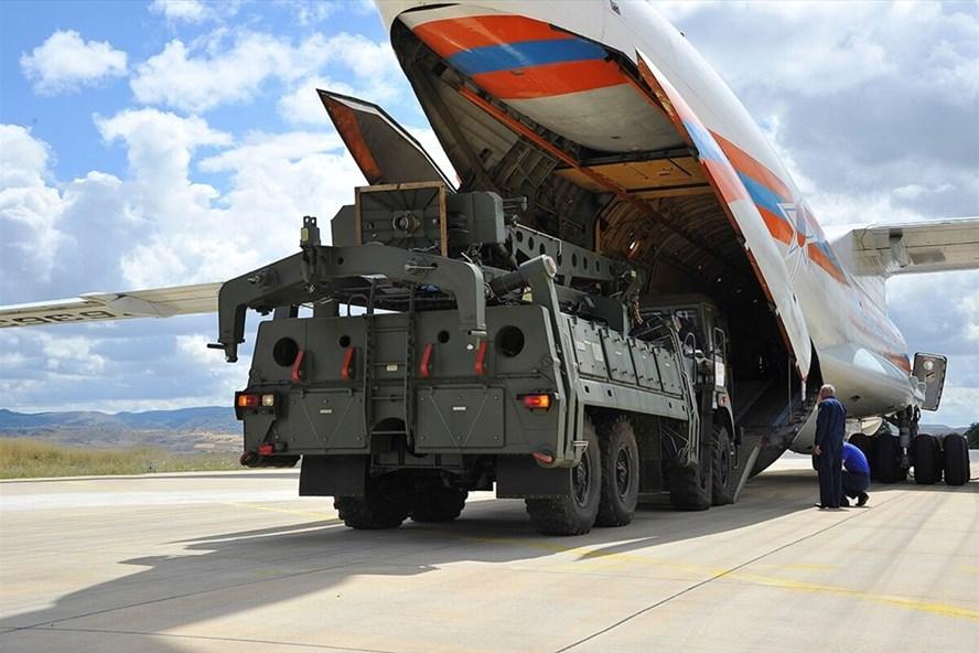 Nga bàn giao S-400 cho Thổ Nhĩ Kỳ ngày 12.7.2019. Ảnh: AP