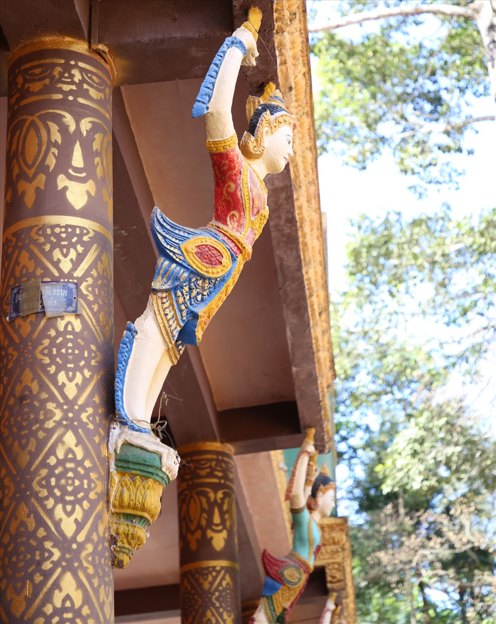 Những phù điêu mang đậm nét kiến trúc độc đáo Khmer Nam Bộ