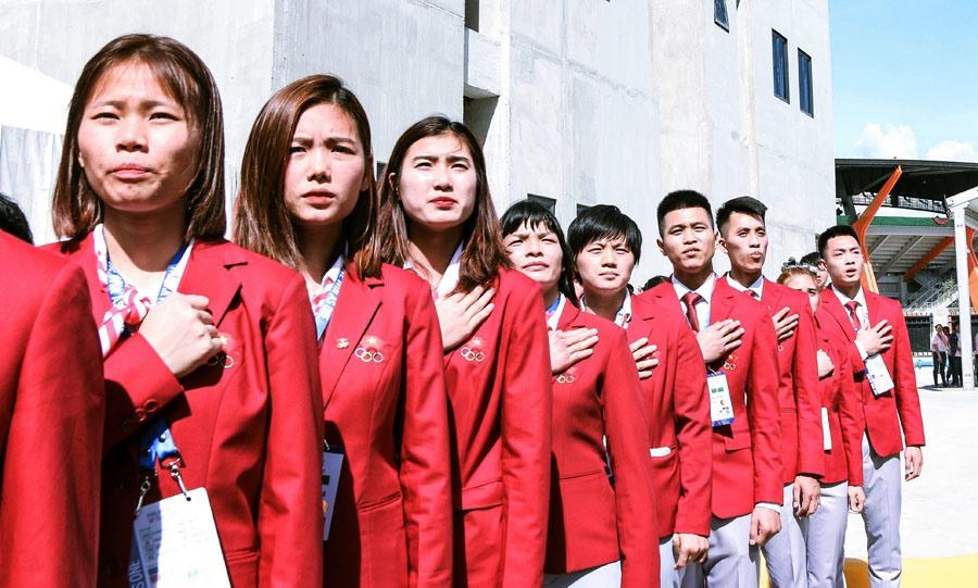 Các thành viên đoàn hát quốc ca