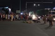 Tai nạn với container, con gái thoát chết nhờ cha đẩy vào lề đường