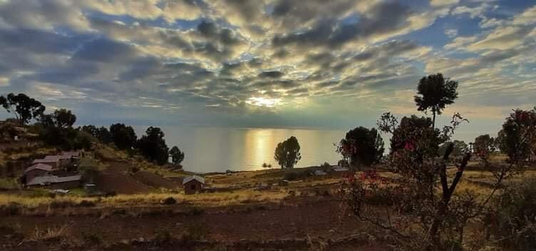 Cách thành phố Puno của Puno 2 giờ đi tàu trên hồ Titicaca, đảo nằm giáp với biên giới Bolivia. Ảnh: Đ.D.H
