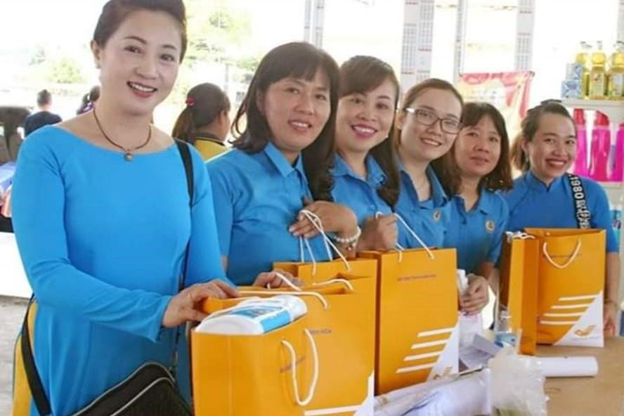 Nhiều chương trình bán hàng với mức giá ưu đãi đến được với đoàn viên. Ảnh:P.Linh