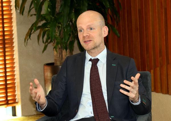 Ông Mattias Grafstrom - Phó Tổng thư ký FIFA. Ảnh: VFF
