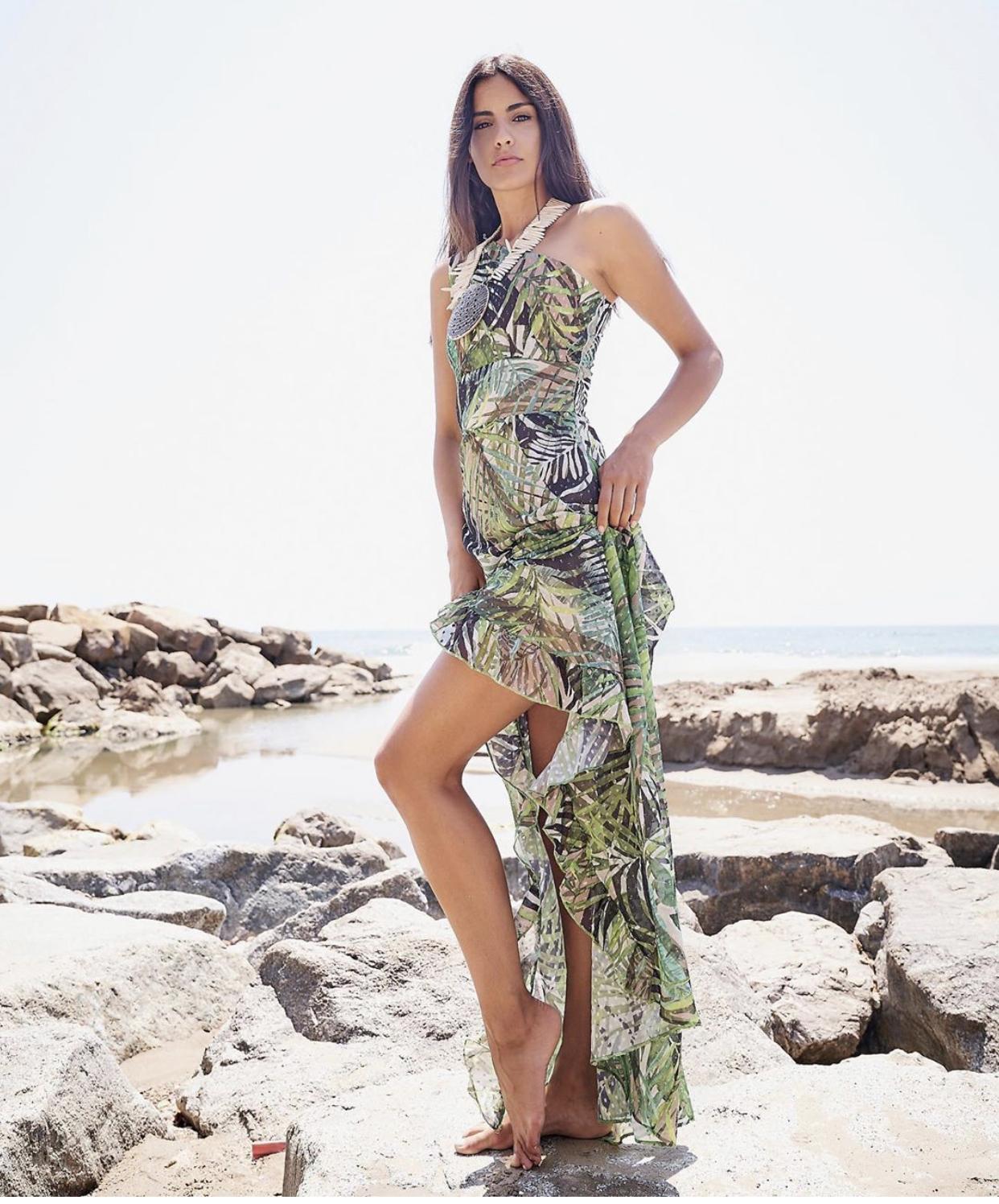 Anna Aznar được biết đến là Á hậu 1 Hoa hậu thế giới Tây Ban Nha 2018. Cô tốt nghiệp ngành Thực phẩm và Dinh Dưỡng. Cuộc sống của người đẹp này xoay quanh công việc người mẫu và là một chuyên gia dinh dưỡng. Cô cũng luôn trăn trở về việc có thể sáng tác một bài hát riêng và cống hiến cho nền âm nhạc thế giới.