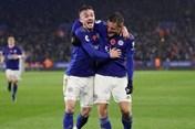 Thắng Arsenal, Leicester City tạm chiếm ngôi nhì bảng Premier League