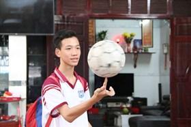 Bố Tiến Linh dự đoán Việt Nam thắng, em trai kỳ vọng Tiến Linh ghi 1 bàn