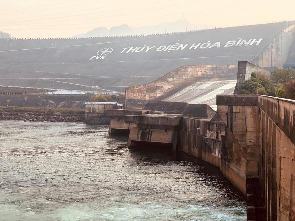 Mực nước hồ thủy điện Hòa Bình gần với mực nước chết: