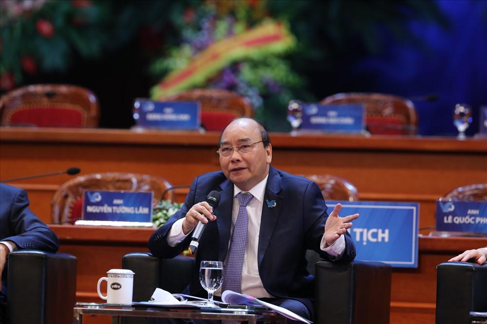 Thủ tướng Nguyễn Xuân Phúc trả lời các câu hỏi của đại biểu.