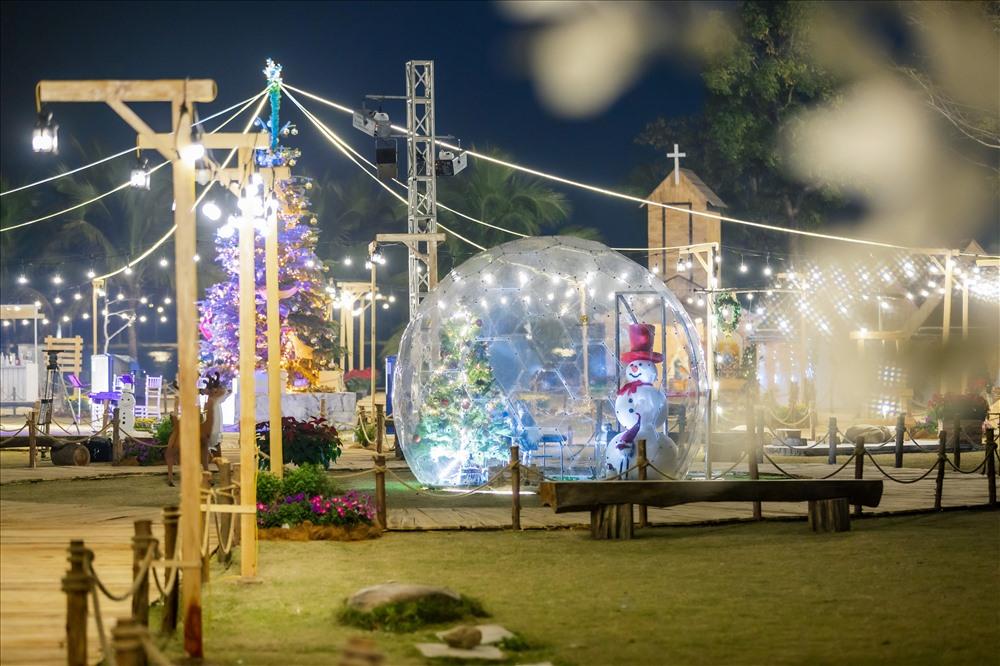 Một không gian mở rộng rãi và đầy sắc màu sẽ thu hút nhiều du khách đến vui chơi vào dịp cuối năm.