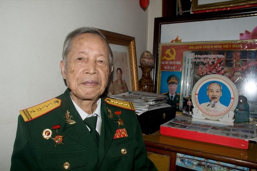 Đại tá, Anh hùng lực lượng vũ trang nhân dân La Văn Cầu. Ảnh T.Vương