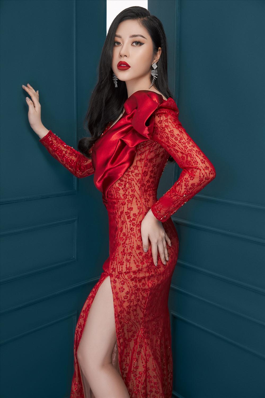 Hoa hậu tâm sự quyết định thi Hoa hậu sắc đẹp Việt Nam quốc tế 2018 liều lĩnh và là bước ngoặt lớn nhất trong cuộc đời. Ảnh: Trung Trần.