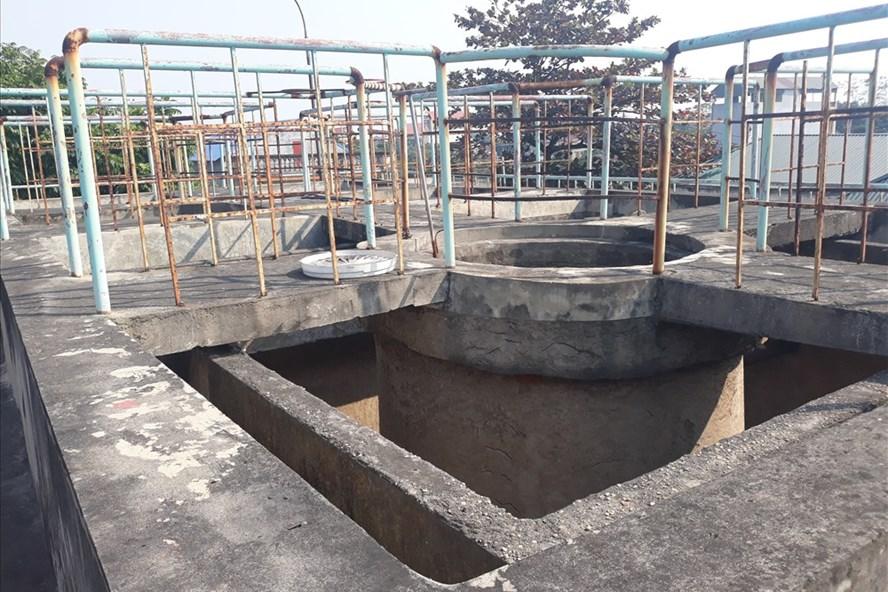 Nhà máy nước sạch xã Phạm Ngũ Lão (huyện Kim Động) đã dừng hoạt động. Ảnh: PV