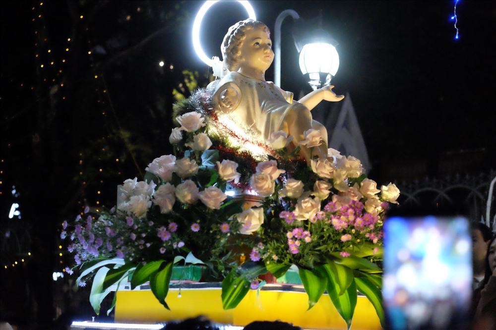 Tượng Chúa Giê-su trong nghi Lễ Canh thức Giáng sinh năm 2019 tại nhà thờ Chánh tòa Đà Nẵng.