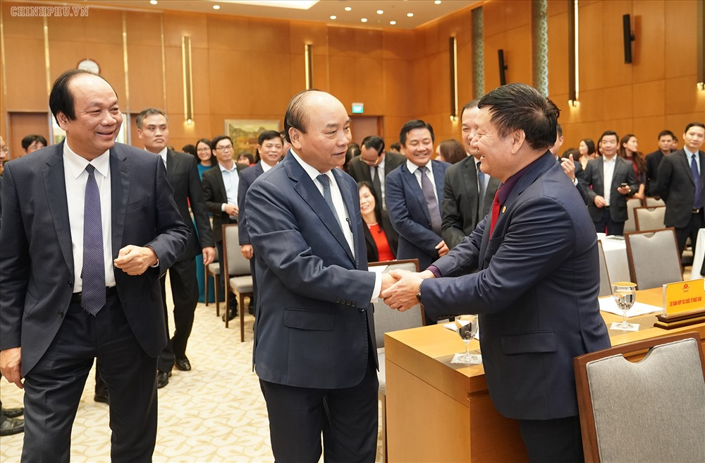 Thủ tướng Chính phủ Nguyễn Xuân Phúc đến dự Hội nghị tổng kết công tác năm 2019, triển khai nhiệm vụ năm 2020 của Văn phòng Chính phủ. Ảnh: VGP/Quang Hiếu