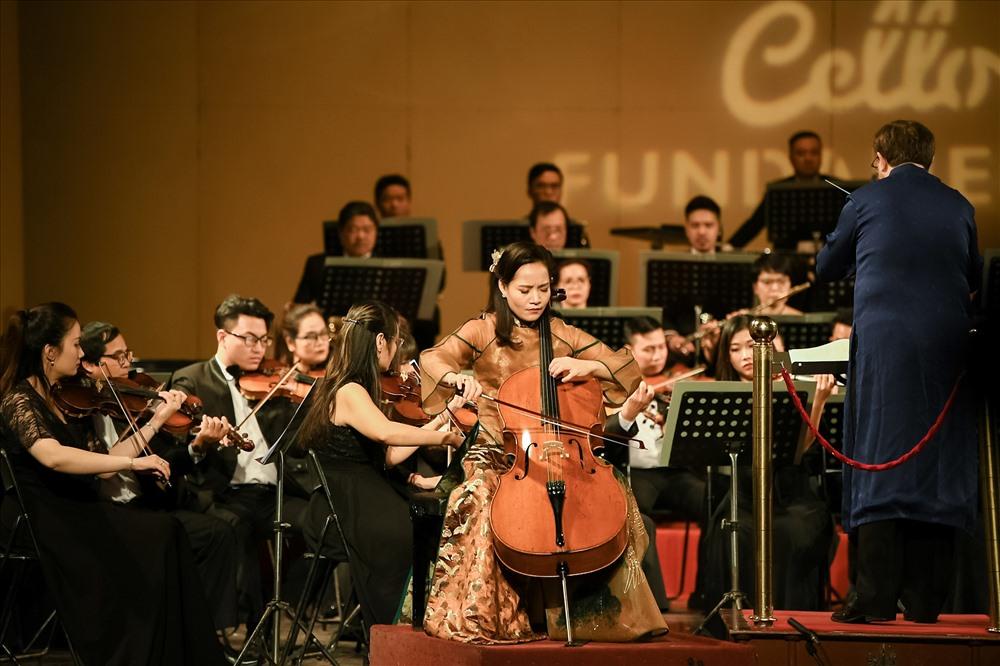 Nữ nghệ sĩ Cello Đinh Hoài Xuân thăng hoa