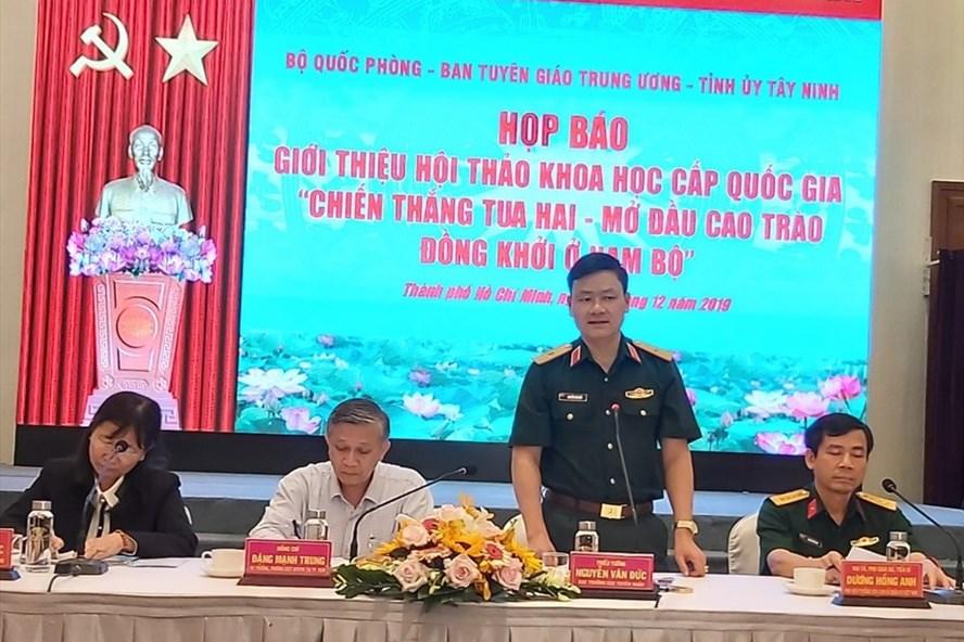 Thiếu tướng Nguyễn Văn Đức phát biểu tại buổi họp báo. Ảnh Nam Dương