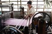Hồi sinh làng nghề dệt choàng 100 tuổi độc đáo ở Long Khánh A
