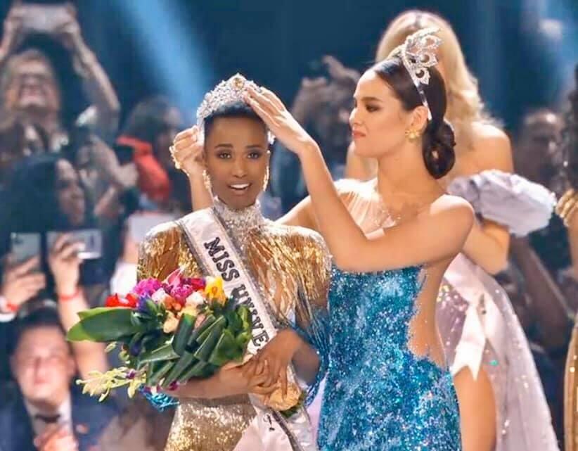 Sáng 9.12 (giờ Việt Nam), người đẹp Nam Phi, Zozibini Tunzi đã chính thức đăng quang Hoa hậu Hoàn vũ Thế giới 2019. Ảnh: MS.