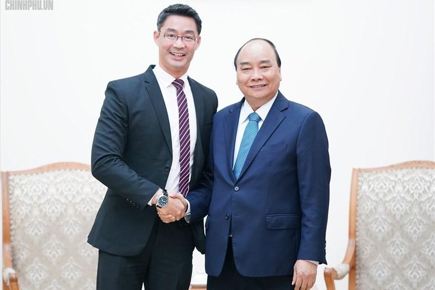 Thủ tướng Nguyễn Xuân Phúc và chuyên gia kinh tế Philipp Rosler - Ảnh: VGP