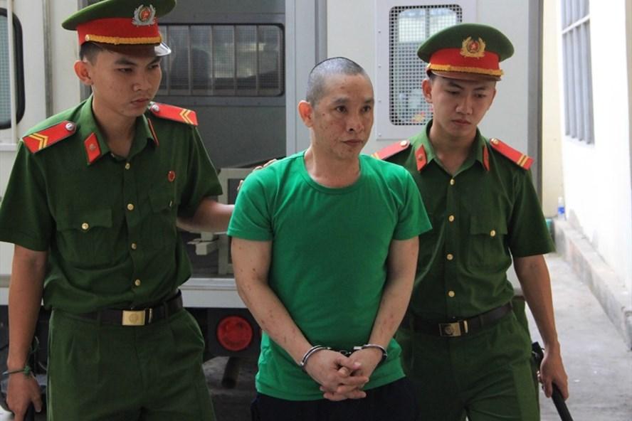 Tài xế Nguyễn Thái Dương tới tòa.