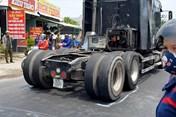 Thêm thông tin về vụ lật xe container đè 3 người tử vong ở Đồng Tháp