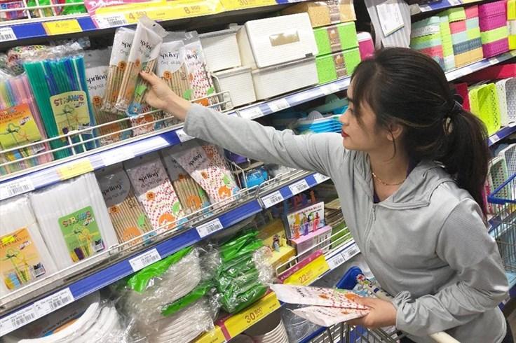 Xuất hiện nhà bán lẻ nói không với ống hút nhựa
