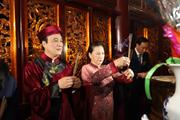 Chủ tịch Quốc hội Nguyễn Thị Kim Ngân dâng hương tưởng nhớ vua Hùng