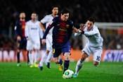 Messi vượt mặt Ozil, Ronaldo để trở thành cầu thủ kiến tạo nhiều nhất