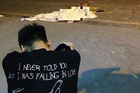 Con trai gào khóc bên thi thể nữ lao công sau tai nạn ở đường Láng