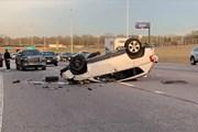 Tài xế say xỉn, ô tô gây tai nạn lộn nhiều vòng trên cao tốc